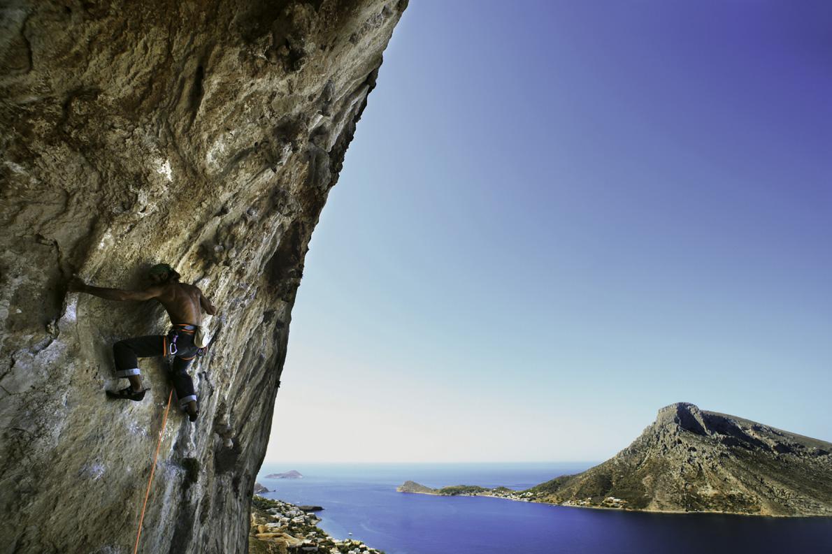 Η Κάλυμνος θεωρείται από τους πιο σημαντικούς αναρριχητικούς προορισμούς στον κόσμο, με πάνω από 2.500 αναρριχητικές διαδρομές.