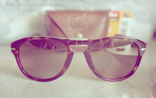 Πού να βάζω τα γυαλιά ηλίου όταν δεν τα φοράω;
