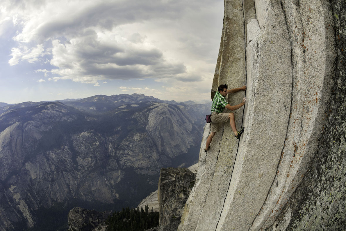 Alex_Honnold_performing_free_solo_ascent_on_The_Regular_Northwest_Face_on_Half_Dome_in_Yosemite_National_Park_June_2010_SMALL