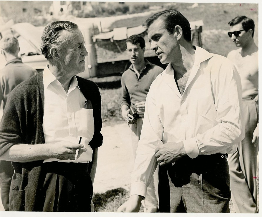 Ο πραγματικός Ίαν Φλέμινγκ με τον Σον Κόνερι στα γυρίσματα του «Aπό τη Ρωσία με αγάπη».