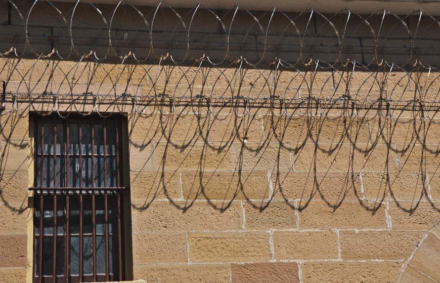 Αν μια ανθρωπιστική πολιτεία οφείλει τάχα να ενδίδει προκειμένου να μην βλάπτει τη ζωή του ο απεργός πείνας, τότε σε ποια ακριβώς φάση της απεργίας πείνας οφείλει να το κάνει; Photo: Maitland Goal/flickr