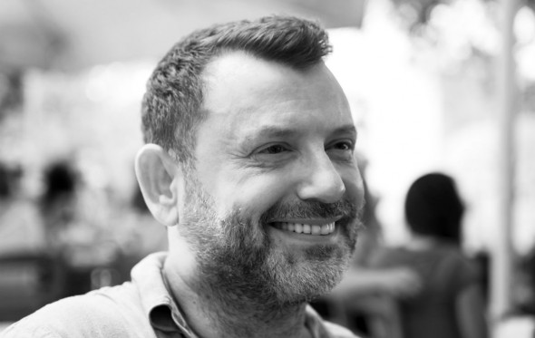 Πέτρος Μπιρμπίλης: «Η κουρελού που με έβγαζε απ' τα ρούχα μου»