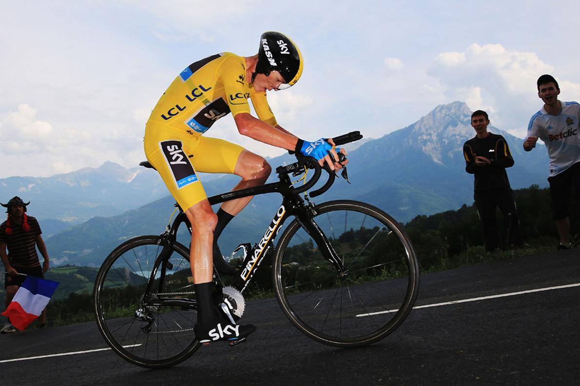O Κρις Φρουμ εγκατέλειψε τον Γύρο της Γαλλίας, μετά τον δεύτερο συνεχή τραυματισμό του, αυτή τη φορά στο πέμπτο ετάπ του διάσημου αγώνα.