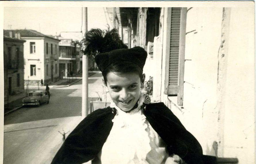 O Xρήστος Παπούλιας στο Μεταξουργείο το 1965.