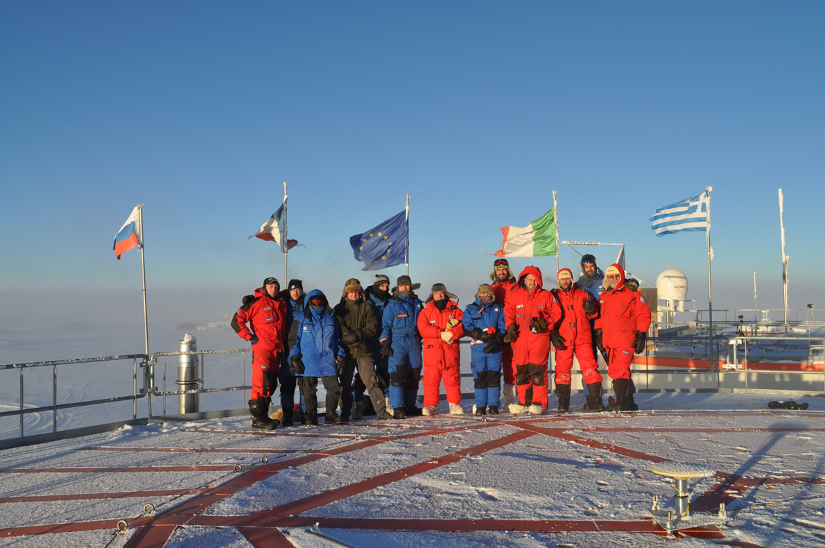 Concordia DC10 winter crew photo (1)
