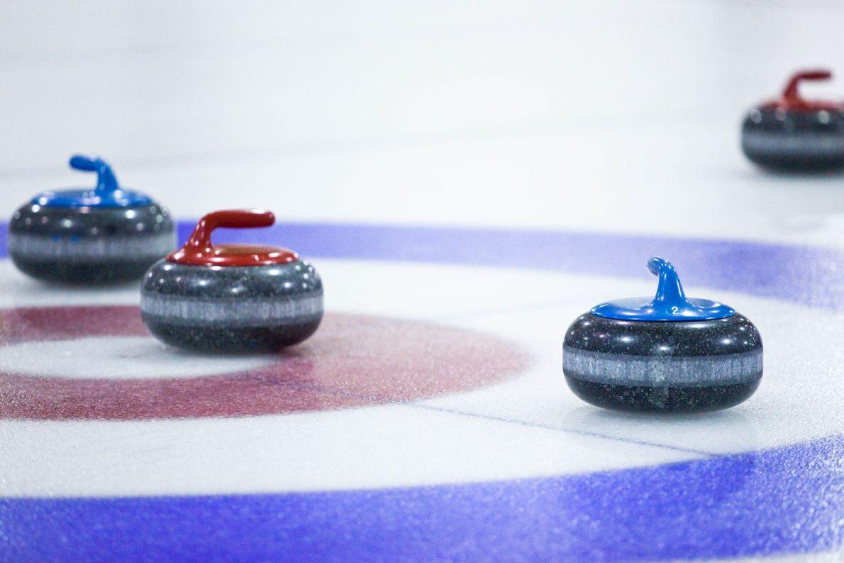 Τι κάνουν όλ' αυτά τ' απίθανα τ' αθλήματα στους Ολυμπιακούς, τα κέρλινγκ (φωτογραφία) και δεν συμμαζεύεται;