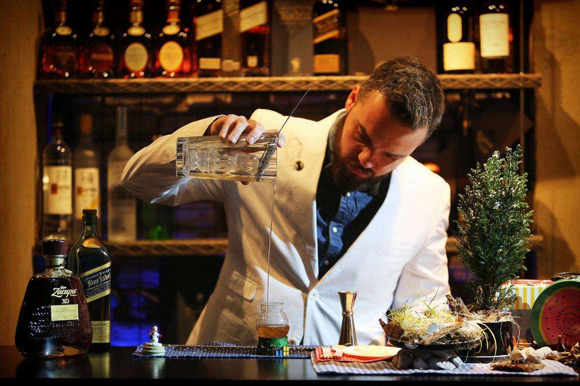 Δημήτρης Μανγκλάρης, από το «Tokyo Bar», Θεσσαλονίκη