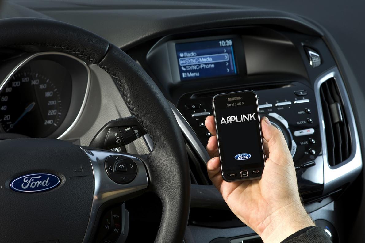 Ford-Sync-AppLink-2