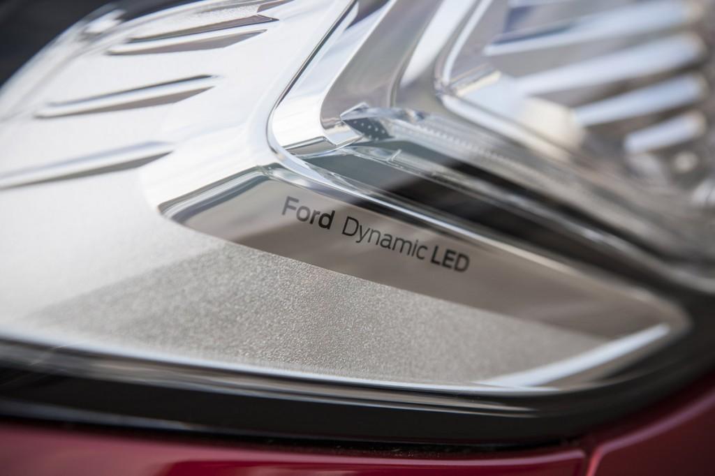 FordMondeo-5Door_20