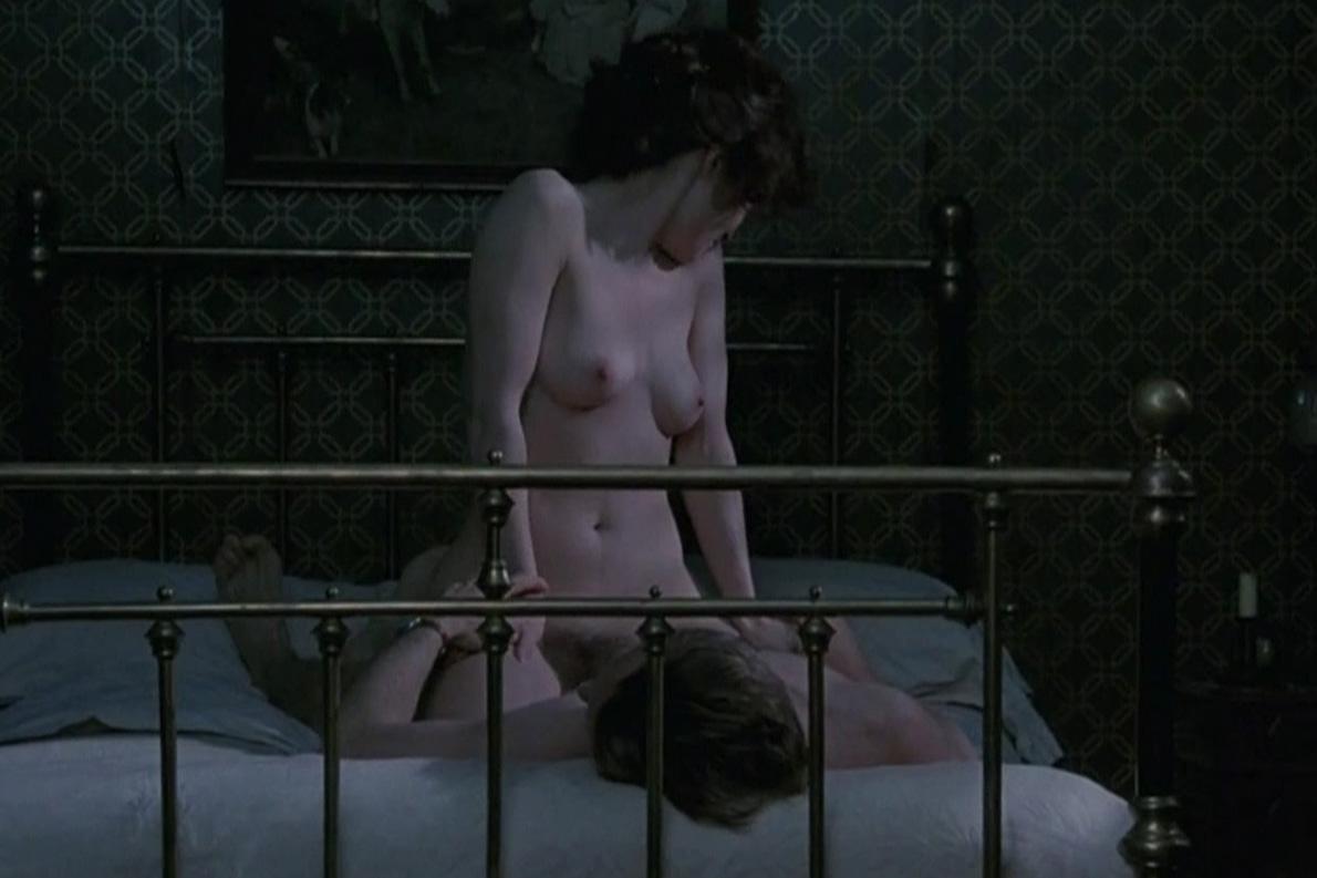 Helena_Bonham_Carter_The_Wings_of_the_Dove-hdtv-07