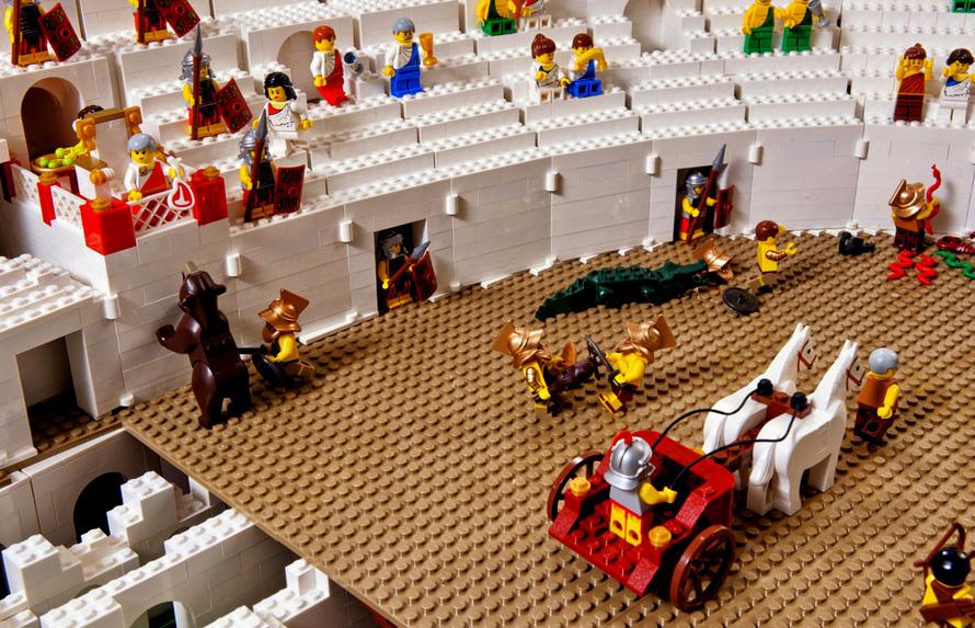 Huge-Lego-Colosseum-Build-3
