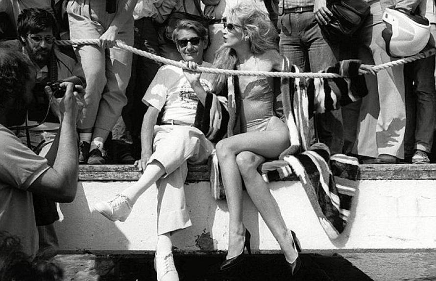O Helmut Newton και η Jerry Hall στις Κάννες.