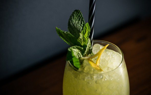 Το Kiwi Smash, από τους bartenders του «Σπίτι Cocktail Bar»