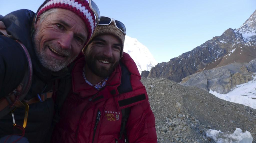 Ο Μάρτι και ο Ντενάλι Σμιτ, πατέρας και γιος. «Δεν ζύγισαν σωστά τις καιρικές συνθήκες και το χιόνι. Εκεί ψηλά δεν σκέφτεσαι πάντα λογικά...», λέει ο Νίκος Μαγγίτσης.