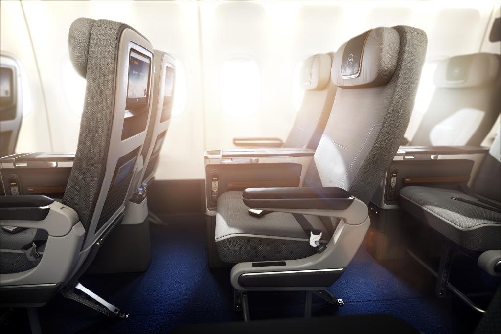 Lufthansa-Premium-Economy-Premium-Economy-Class-window-view