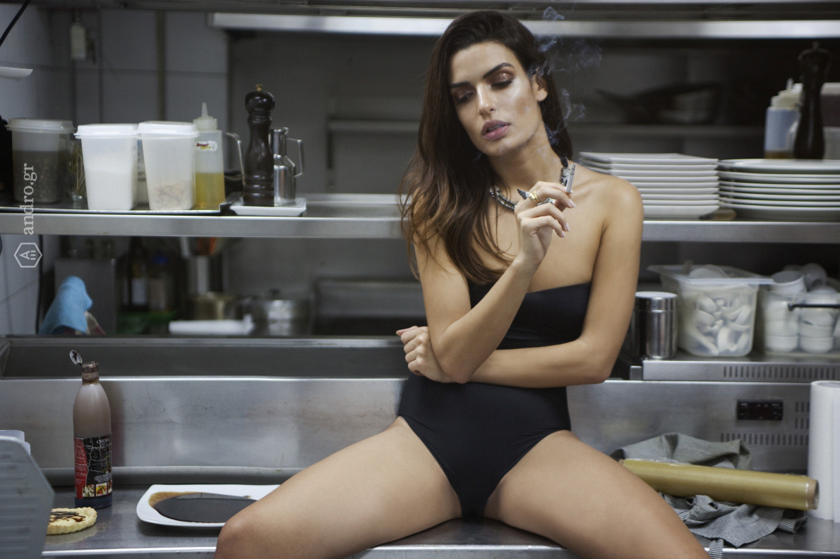 Body La Sposa, Elegance, κολιέ Lanvin, δαχτυλίδια Τάκης Μαρακάκης.