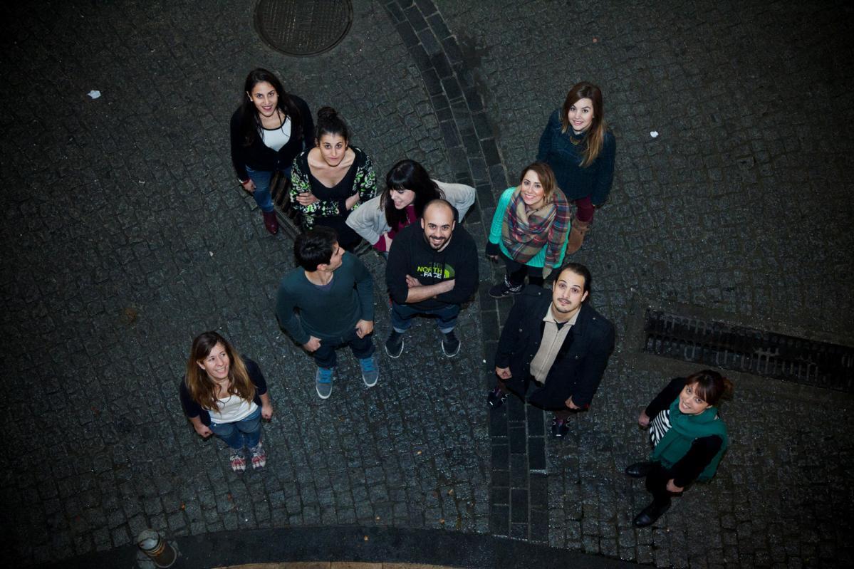 Πάνω, από αριστερά: Μαρία Δαμανάκη, Ευαγγελία Γκρέκα, Αλεξάνδρα Καραπιδάκη, Στέλλα Λάζαρη, Νίκη Ξημέρη. Κάτω, από αριστερά: Λίλα Τζαμούση, Χαρίδημος Σπινθάκης, Ιωάννης Ηλιάδης, Αντώνης Τριανταφυλλάκης, Μαρία Ζαμπουλάκη.