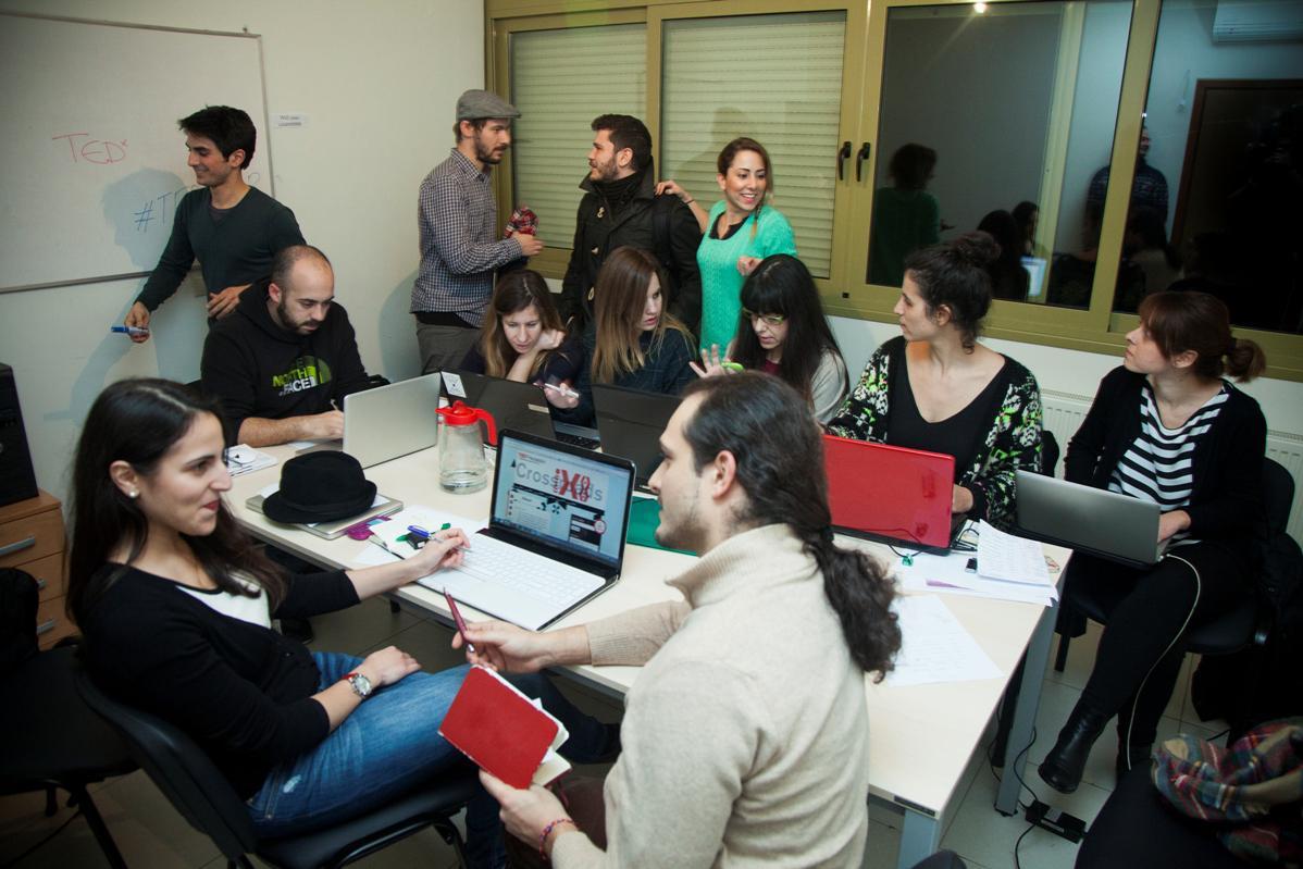 Κάθε συνεργάτης και εθελοντής μοιράζεται την ίδια ενέργεια και τον ίδιο ενθουσιασμό για την ανταλλαγή ιδεών και τη δύναμη των τοπικών κοινοτήτων.