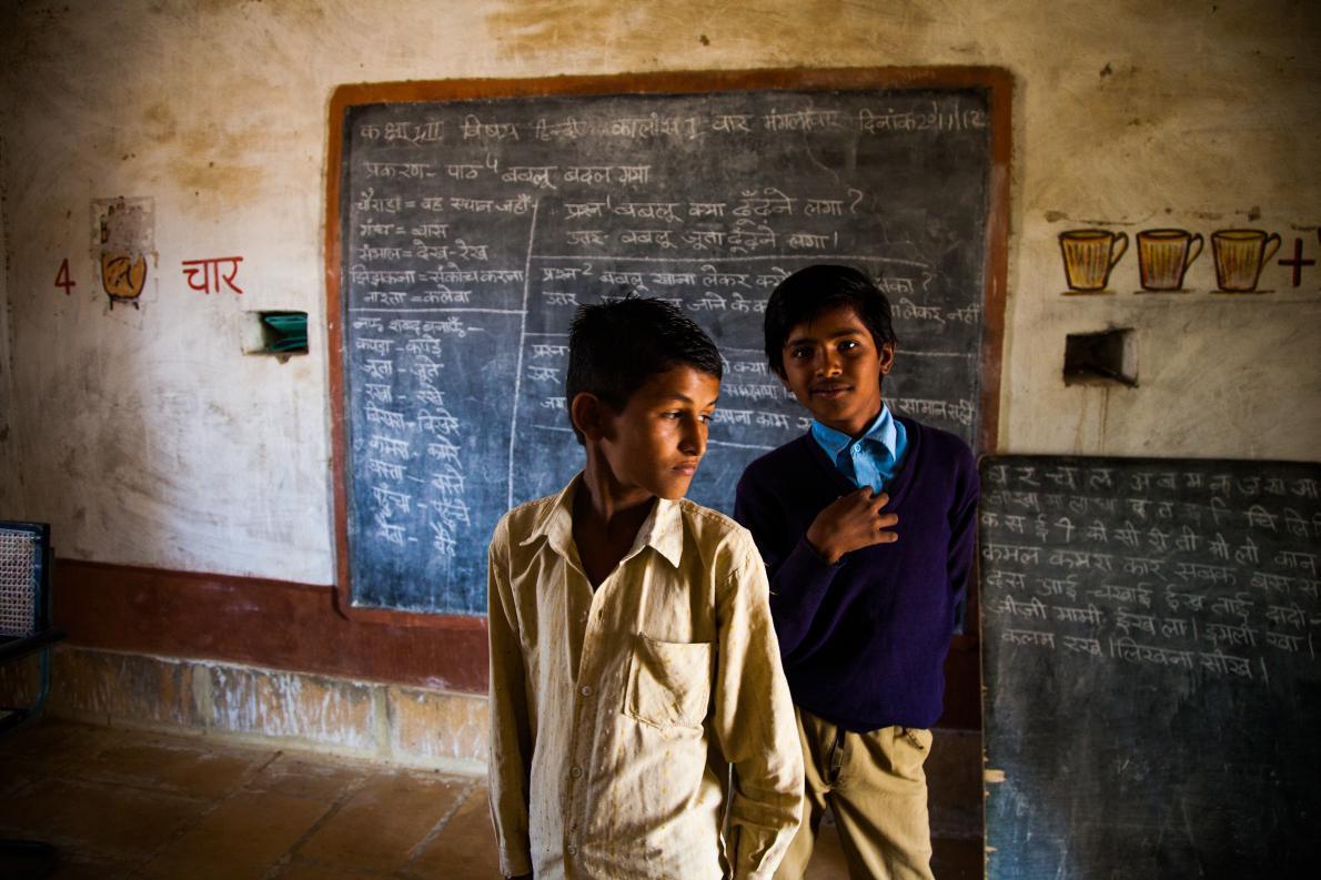 Τα παιδιά στο σχολείο. Ερημος Jaisalmer, Ινδία στα σύνορα με Πακιστάν.