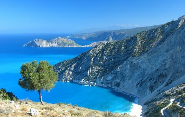 Ελλάδα: Αυτή τη δαντέλα την κέντησε ο Εγκέλαδος