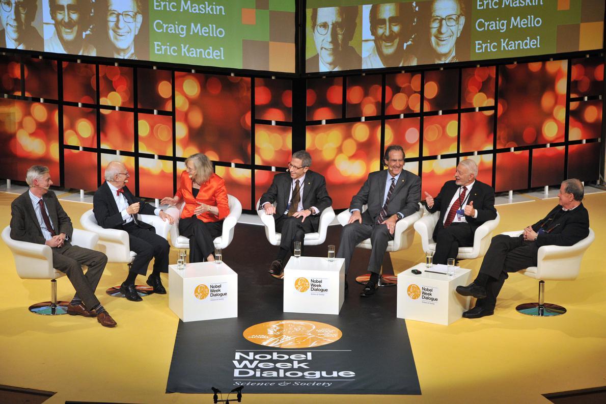 Adam Smith, Graig Mello, Eric Kandel, Elisabeth Blackburn, AaronCiechanover, Daniel McFadden, eric Maskin, Photo Credit: Nobel Media AB 2014/Jonas Borg.