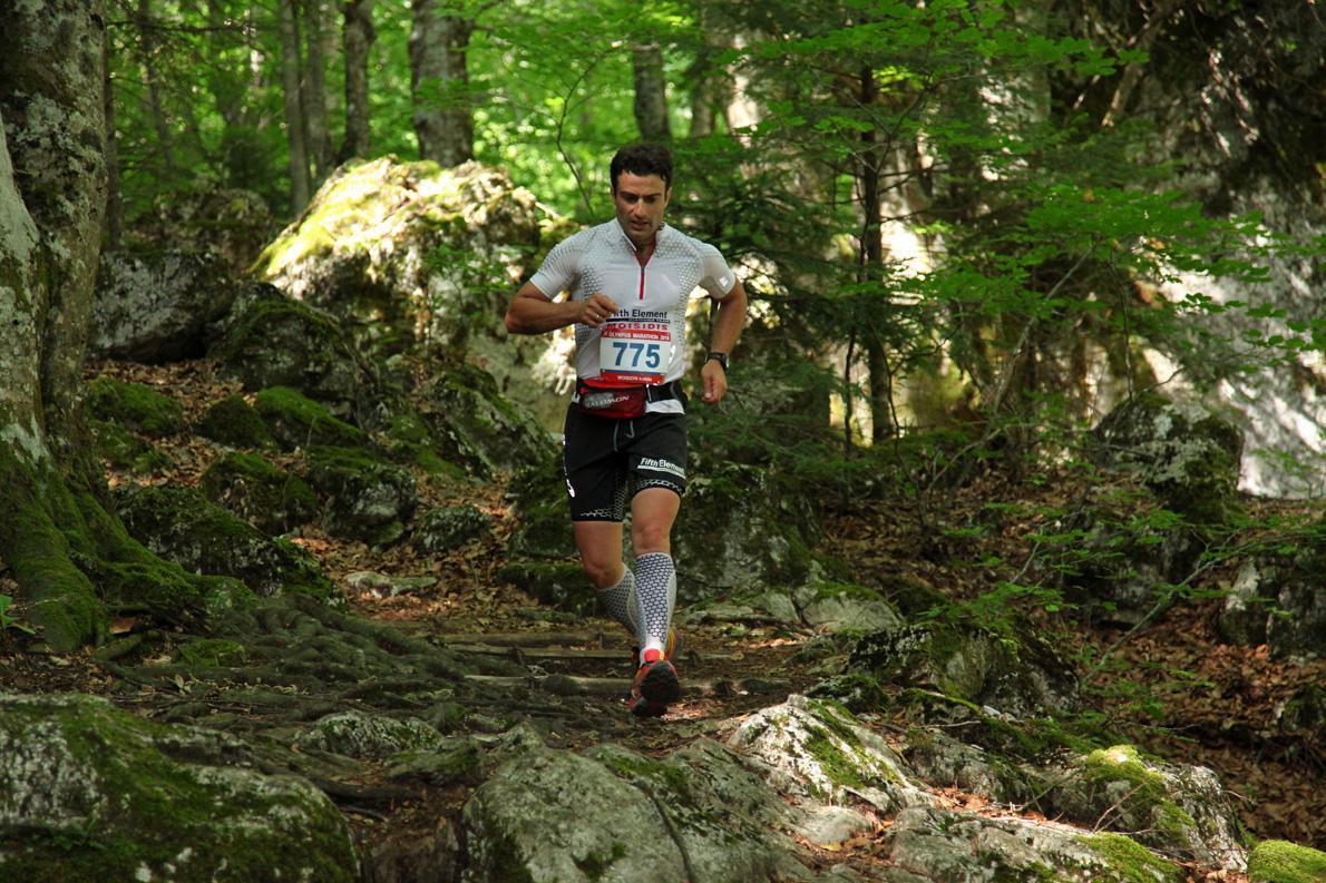 Ο πρώτος μου Olympus Marathon το 2010, μέσα στον Ενιπέα, τμήμα της διαδρομής που θέλει να έχεις αποθέματα δυνάμεων για να έρθει το σωστό αποτέλεσμα.