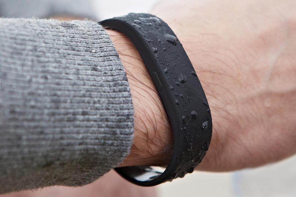 SmartBand-SWR10-wrist