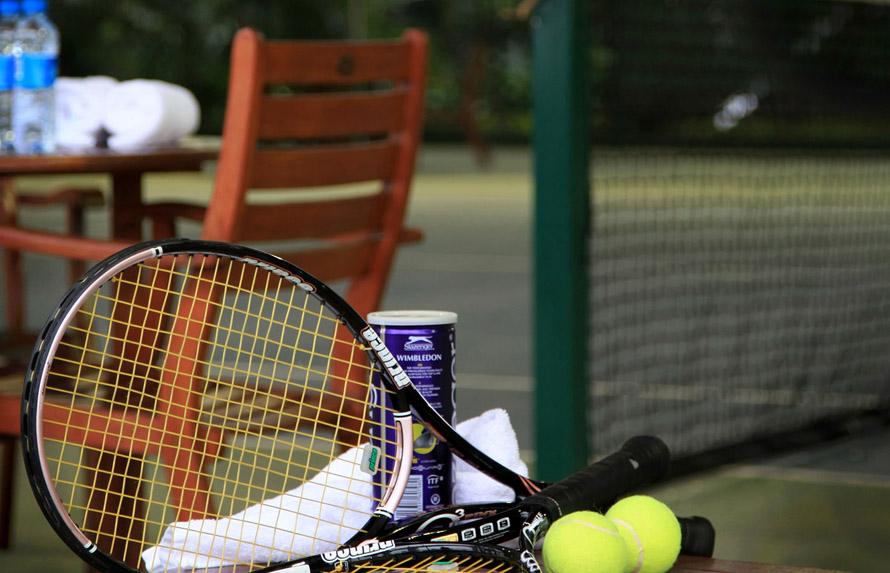 Tennis-Rackets_2015_1600x900