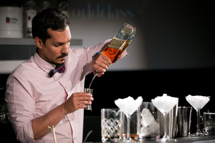 Ο Θοδωρής Πυρίλλος στο Retro Chic Speed Challenge: αυτός θα εκπροσωπήσει την Ελλάδα στον παγκόσμιο τελικό του World Class Diageo 2013