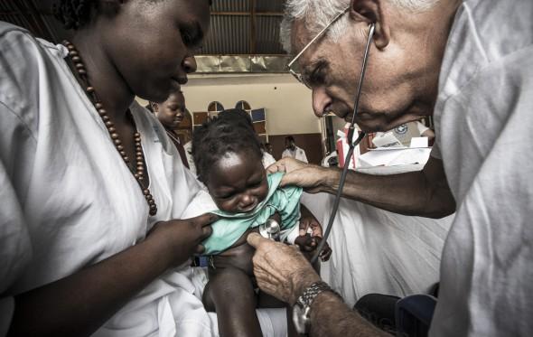 Γιάννης Γιαννακόπουλος: Πρωτοχρονιά στην Ουγκάντα με τους Γιατρούς του Κόσμου