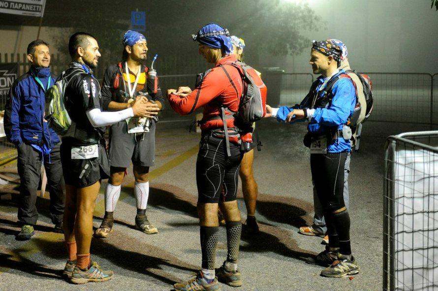 Στον τερματισμό, έπειτα από 23,5 ώρες και 128 χλμ. ορεινού τρεξίματος, στο Παρανέστι Δράμας.