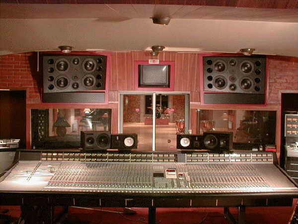 """Το studio του Chateau που μεταξύ άλλων εκεί ηχογράφησαν το """"Τhe Wall"""" (1979) οι Pink Floyd."""