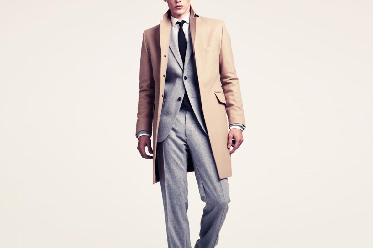 Το καμηλό παλτό παντρεύεται μ' όλα τα στυλ και ταιριάζει σε κάθε περίσταση. Α, και πάει θαύμα με το τζην σας.