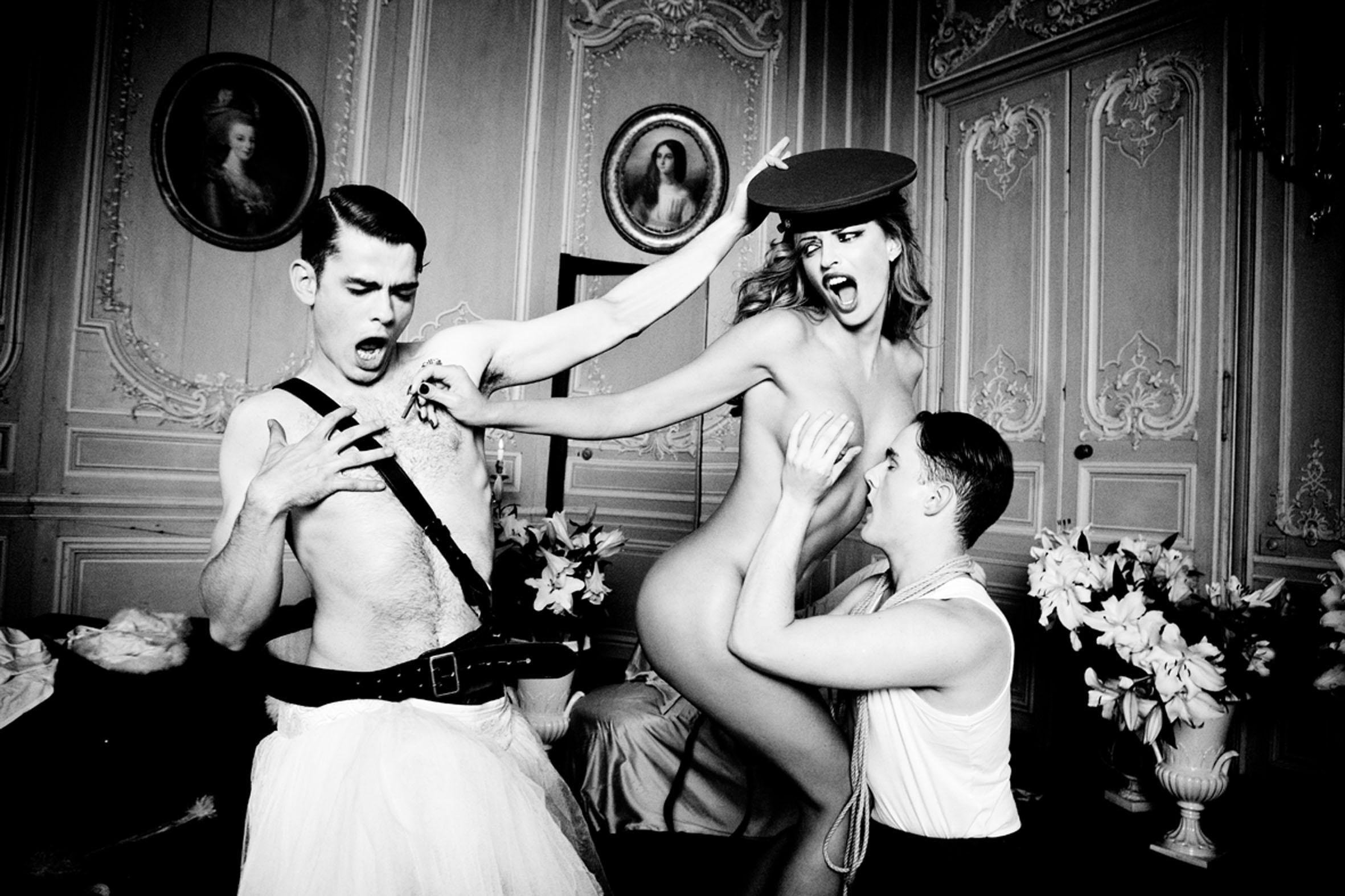 ©2012 Ellen von Unwerth, Paris/The story of Olga, Taschen