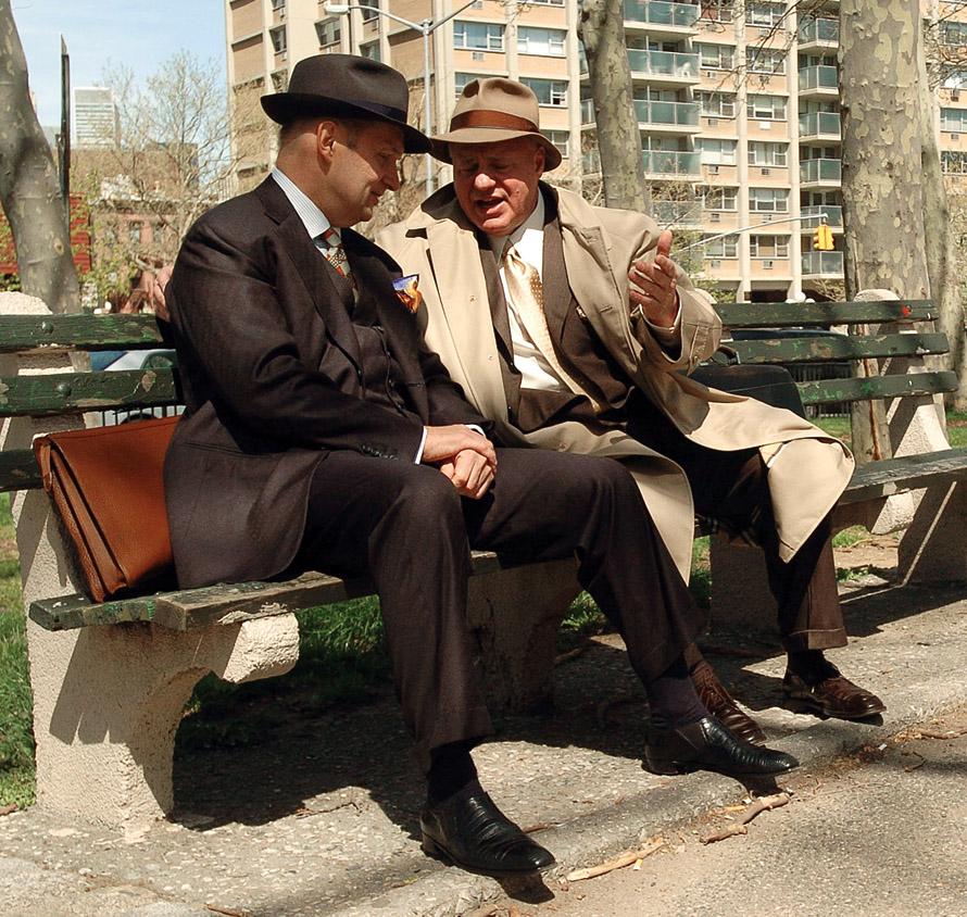 Οι δικηγόροι των ντέτεκτιβ, Edward Hayes (Καραπάκα) και Bruce Cutler (Επολίτο).