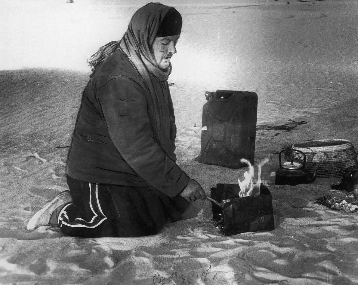 Διανυκτέρευση στην έρημο με τη θερμοκρασία να πέφτει στους μηδέν βαθμούς Κελσίου.