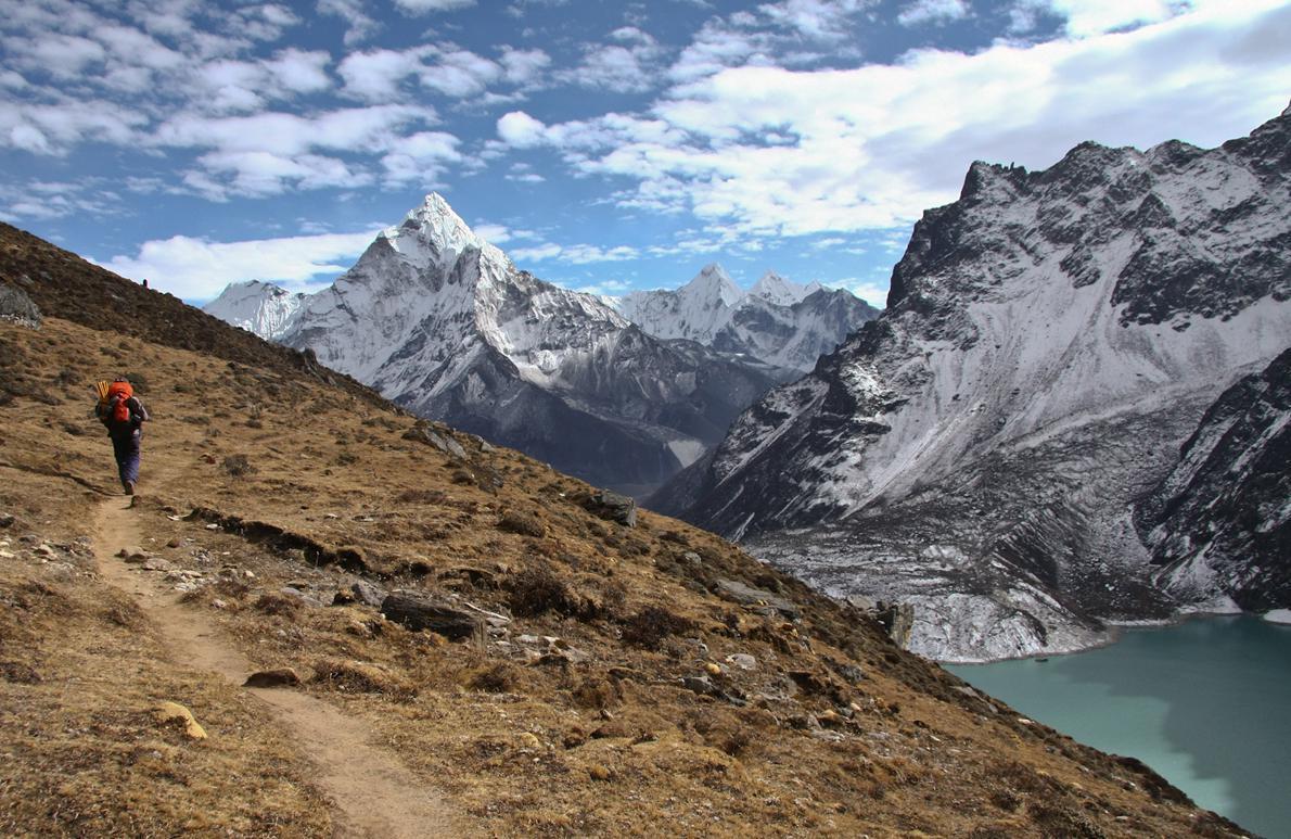 Περίπου 300χλμ. σε μονοπάτια χρειάστηκε να διανύσουν οι αθλητές για να τερματίσουν έναν από τους δυσκολότερους αγώνες ορεινού τρεξίματος στο παγκόσμιο καλεντάρι.