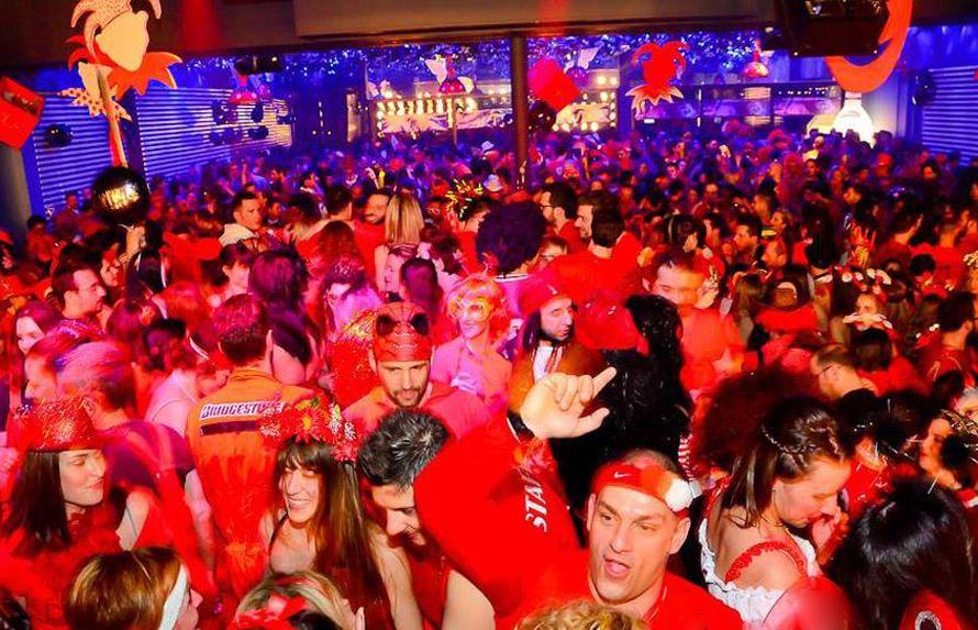 Ο Κόκκινος Χορός είναι από τα δημοφιλή πάρτυ που γίνονται στο πλαίσιο της καρναβαλικής φιέστας.