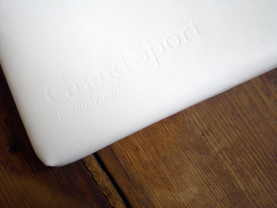 Logo, Packaging and Brochure for Bugatti Veyron 16.4 Grand Sport από την Χαρά Κατσίκη
