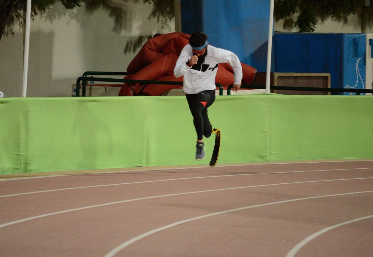 3.Μόλις ένα χρόνο μετά το ατύχημα ο Μιχάλης σημείωσε δυο από τις κορυφαίες επιδόσεις στον κόσμο στα 200 και 400 μέτρα της κατηγορίας Τ44