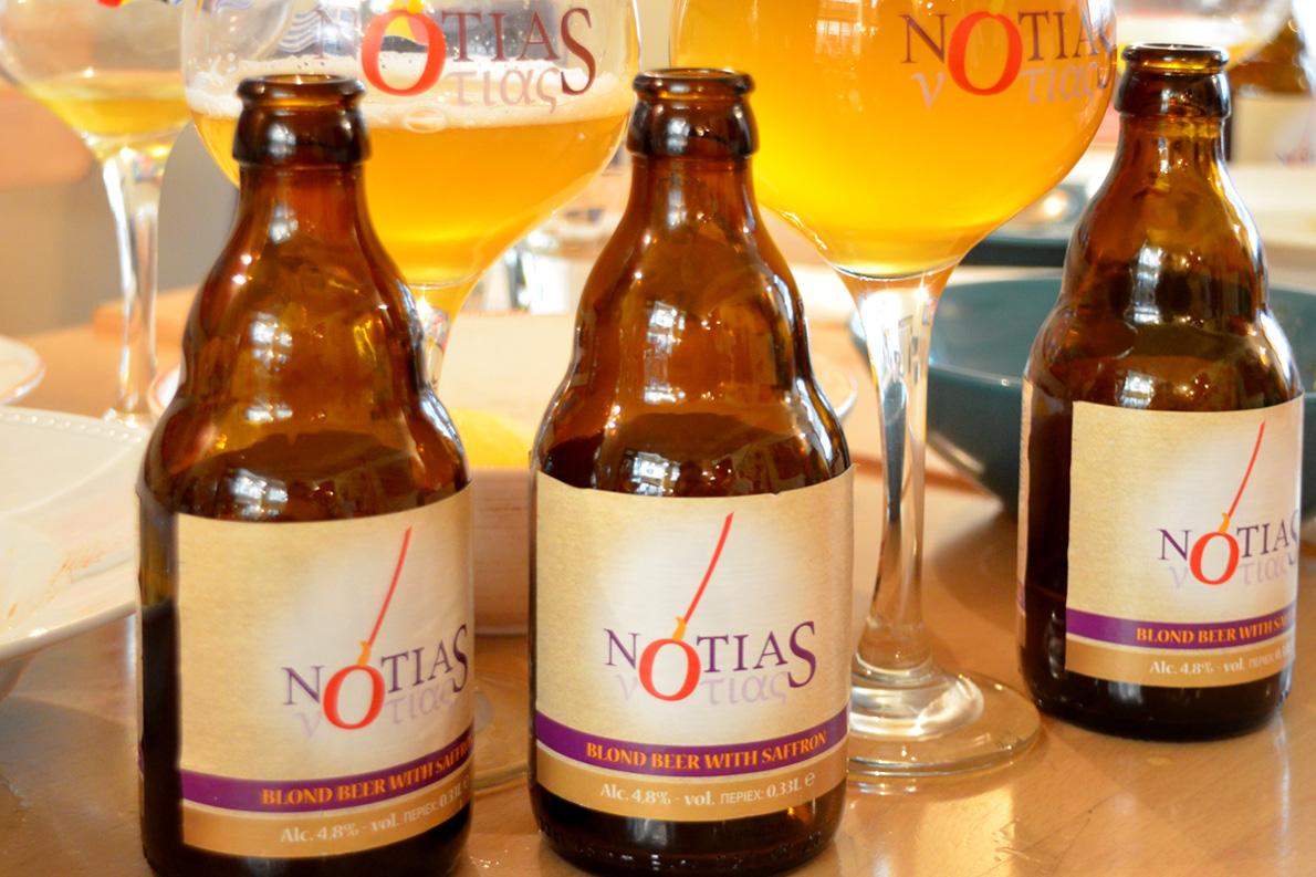 Ο απαστερίωτος και αφιλτράριστος Notias επιβεβαιώνει τη φήμη της βέλγικης μπίρας, αφού είναι παγκόσμιας κλάσης.