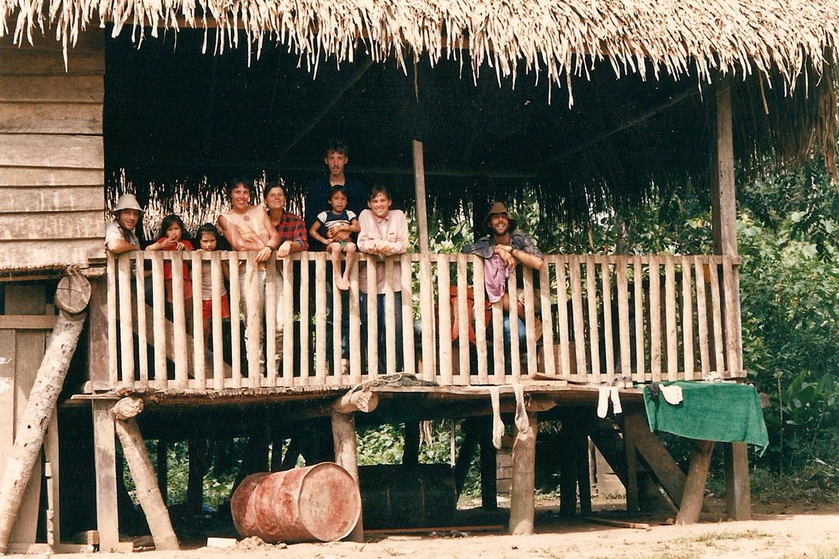 Στη Boca Manu, στο σπίτι ενός ινδιάνου. Φωτό Κ.Γκόφας 1988