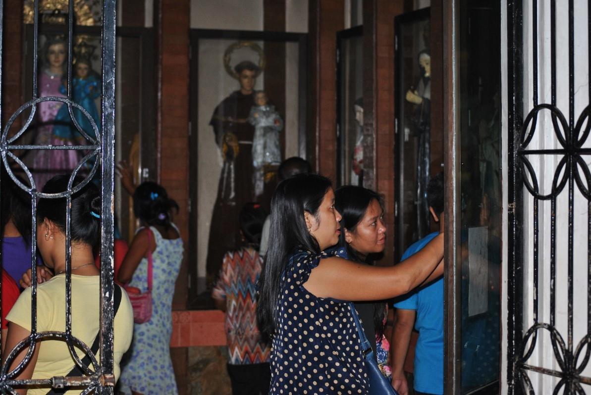 Οι εκκλησίες του Τάκλομπαν ήταν από τα πρώτα κτήρια που επιδιορθώθηκαν, καθώς ο ρωμαιοκαθολικισμός –σε ποσοστό 80% στις Φιλιππίνες– παίζει κεντρικό ρόλο στη καθημερινή ζωή.