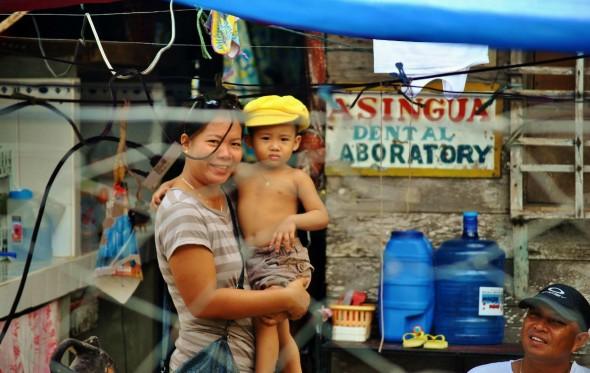Η ζωή ξαναγυρνά στις Φιλιππίνες