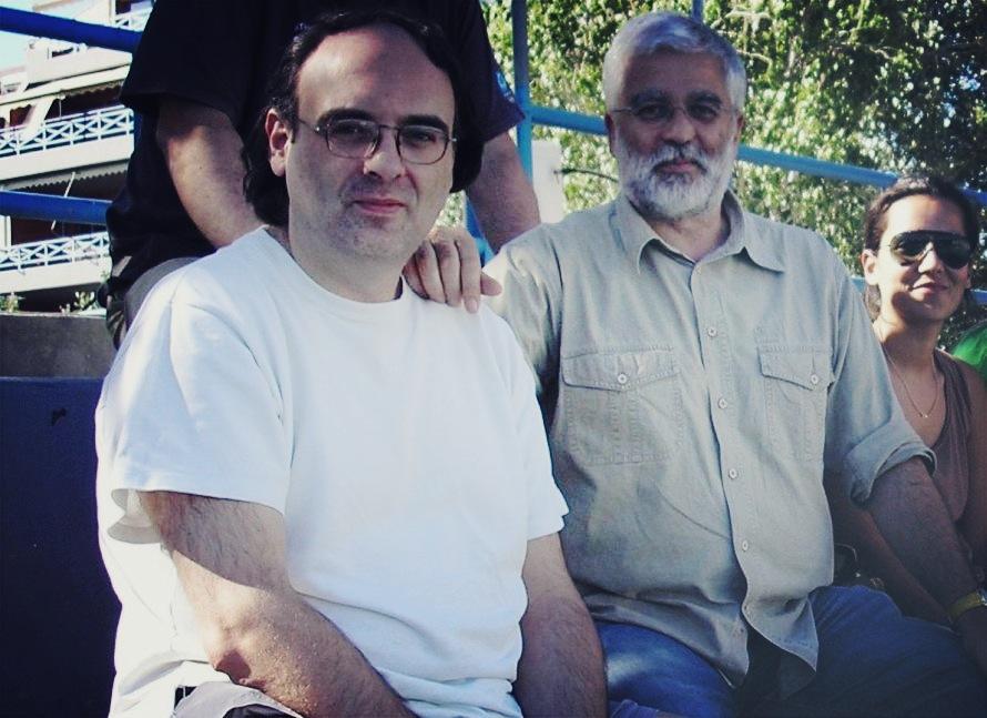 Ο Χρόνης Μπερτόλης με τον Σωτήρη Κακίση στην πισίνα των Ιλισίων. Φωτογραφία: Βαγγέλης Ρούπακας