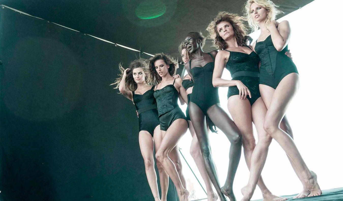 pirelli-calendar-2014-featuring-models-alessandra-ambrosio-isabeli-fontana-and-miranda-kerr