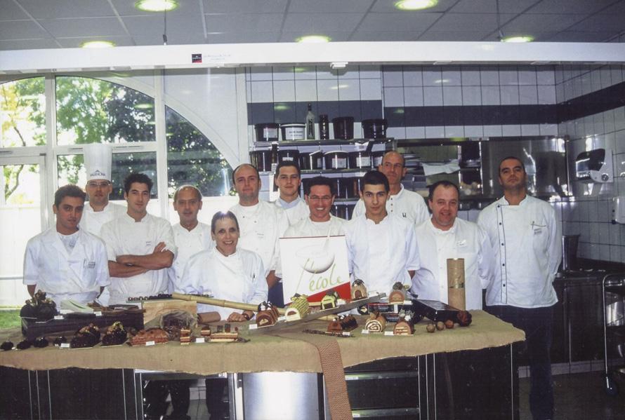Στη Σχολή Valrhona, στην πόλη Tain L' Hermitage της Γαλλίας (2000)