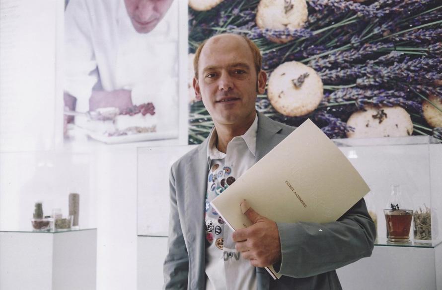 Στην παρουσίαση του βιβλίου του «Γλυκές Αλχημείες» (2005)