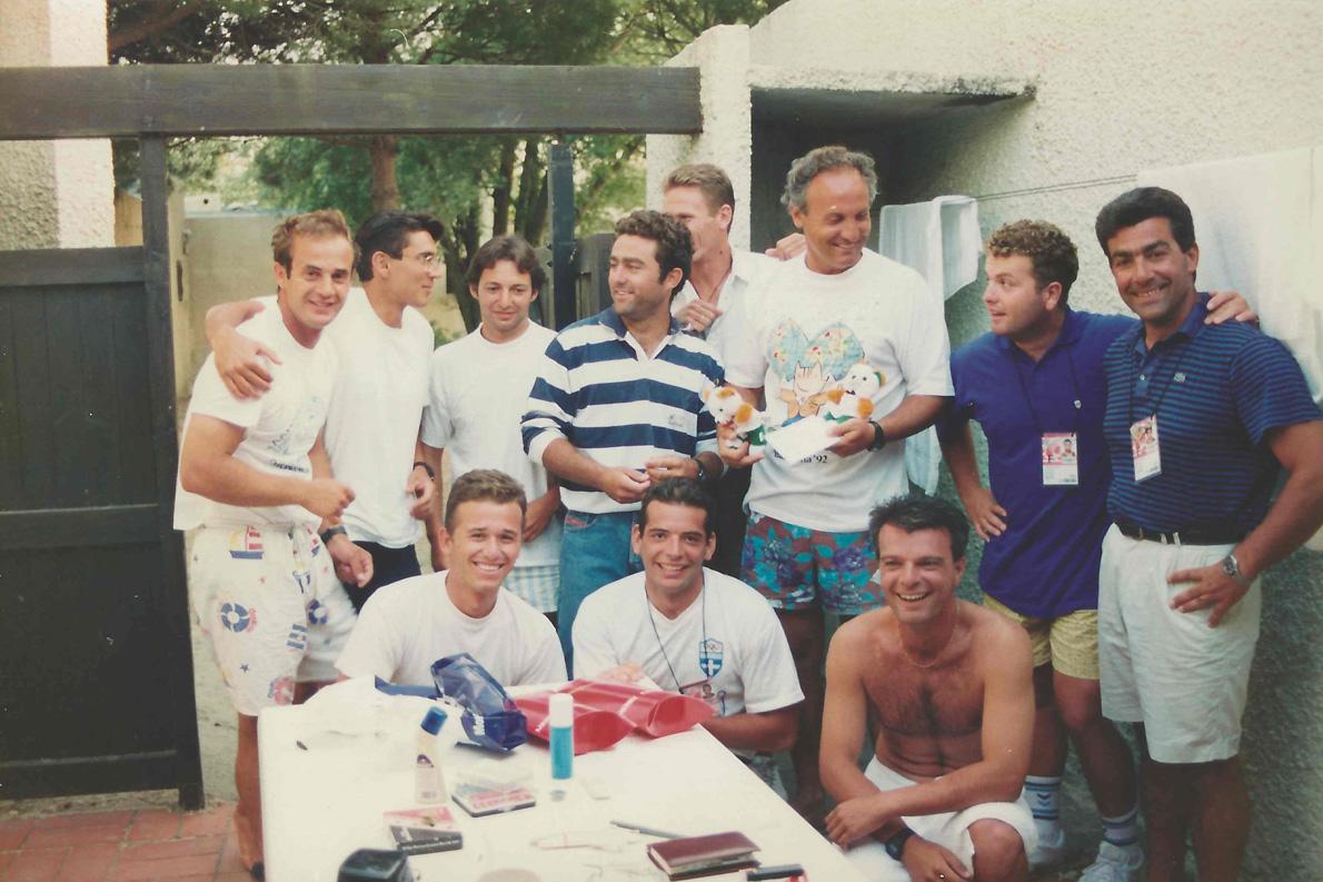 Μεσογειακοί Αγώνες 1993. Όρθιοι από αριστερά προς τα δεξιά: Θεοδωράκης, Κακλαμανάκης, Κοσματόπουλος, Πασχαλίδης, Γεωργουσόπουλος, Νικηφορίδης, Παπαγεωργίου, Κώνστας. Καθιστοί: Τριγκώνης, Παρούσης, Τσαλίκης.