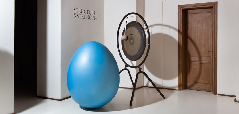 Το δημιούργημα του Sebastien Tellier αποτυπώνει την έννοια της δομής